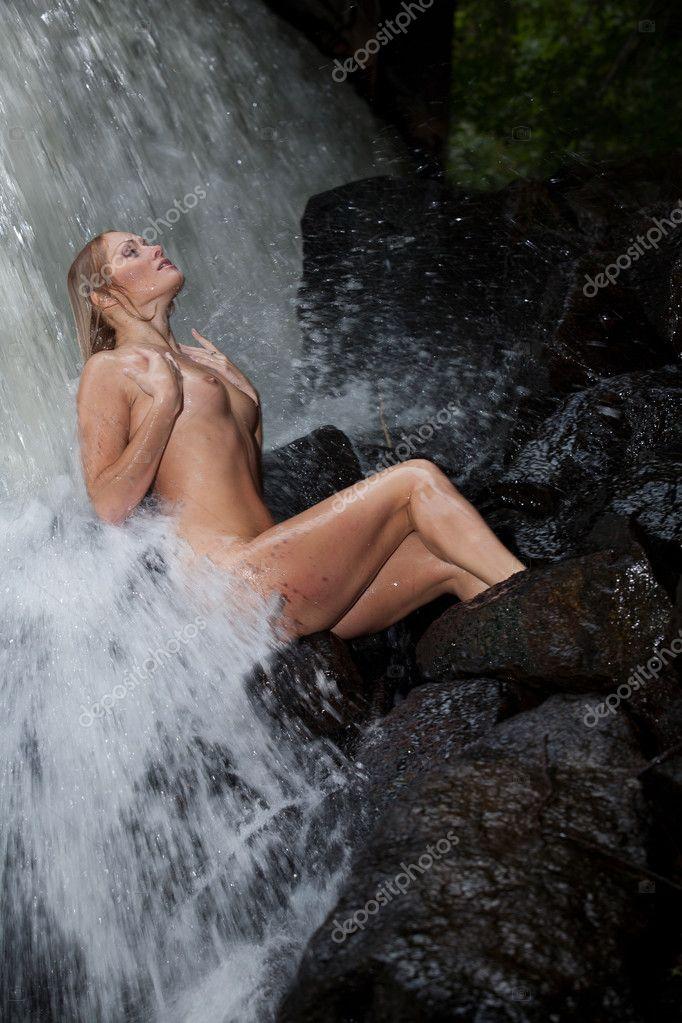 Foto arte desnuda joven mujer